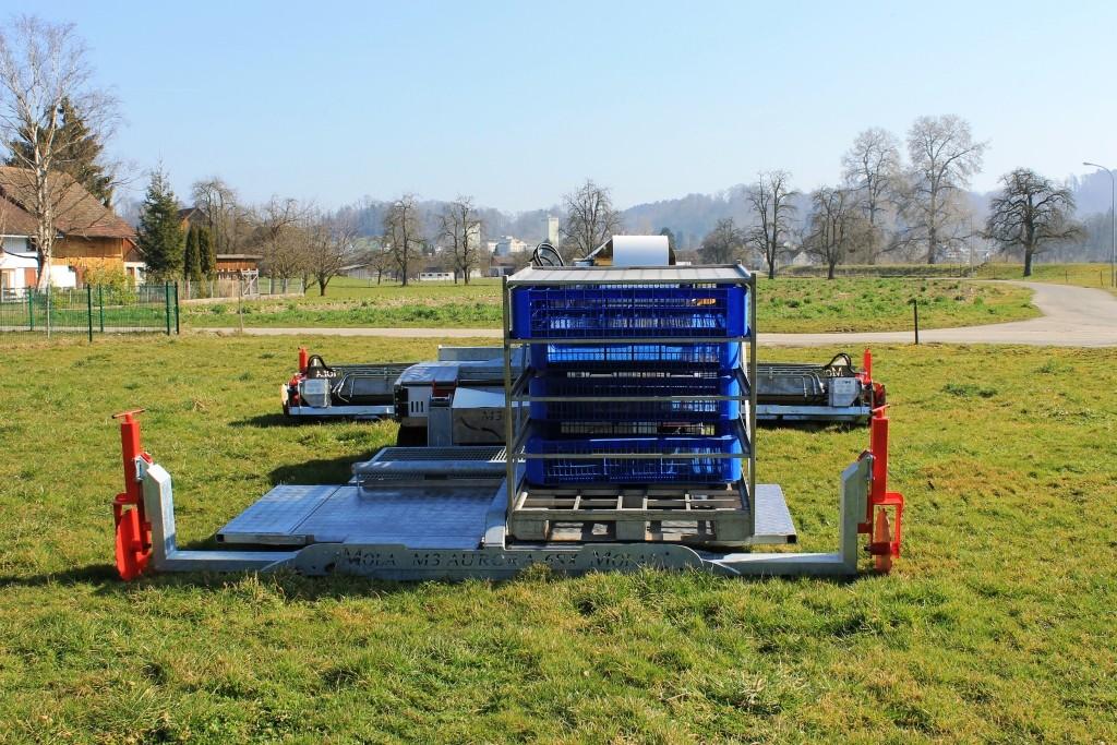 Ansicht der Verlademaschine von hinten mit grosser Containerplattform